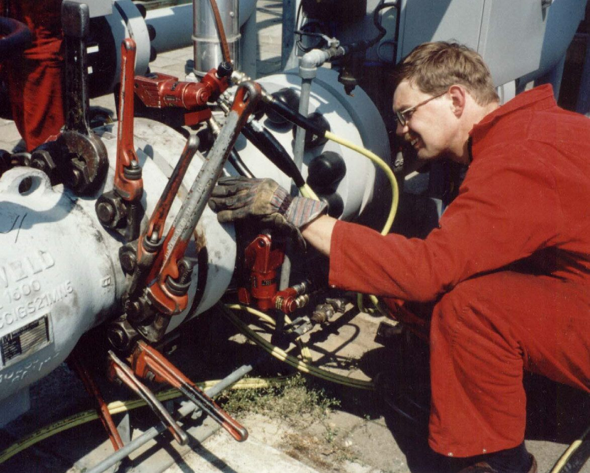 hydraulic tool safety